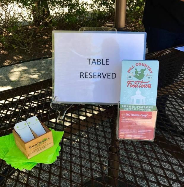 Epicure table